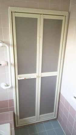 浴室中折れドア交換2 施工例
