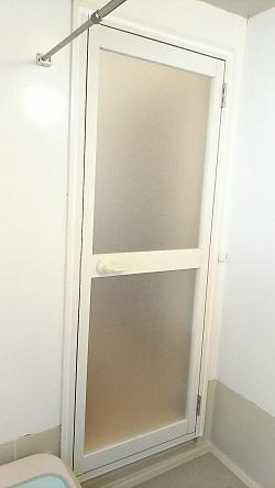 浴室ドア交換1 施工例
